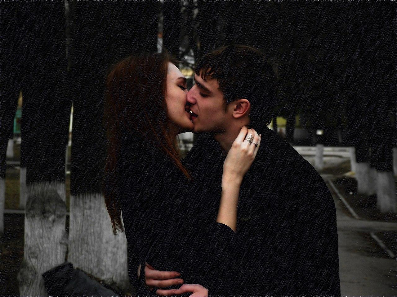 Фото парень и девушка целуются на улице