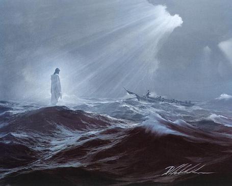 Фото Святой стоит на воде бушующего моря, глядя на плывущую лодку (© Флориссия), добавлено: 03.12.2012 20:21