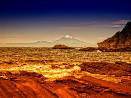 Фото Вид на гору Фудзи через Токийский залив, Япония / View of Mount Fuji in Tokyo Bay, Japan