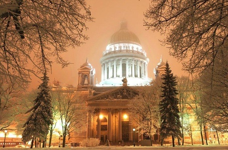 Фото Исаакиевский Собор, Санкт-Петербург, Россия / St. Isaac's Cathedral, St. Petersburg, Russia (© Roman_92), добавлено: 22.12.2012 11:17