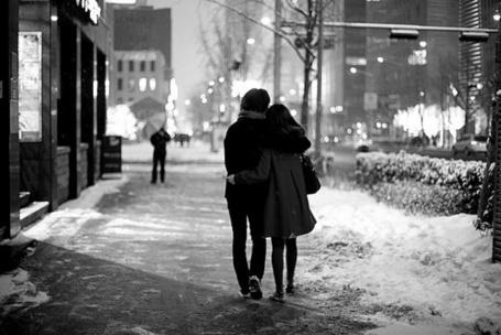 Фото Девушка с мужчиной идут по улице (© Black Tide), добавлено: 25.12.2012 23:28