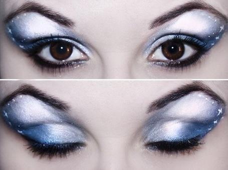 Фото Нежно голубой макияж с черной подводкой (© Black Tide), добавлено: 28.12.2012 21:32