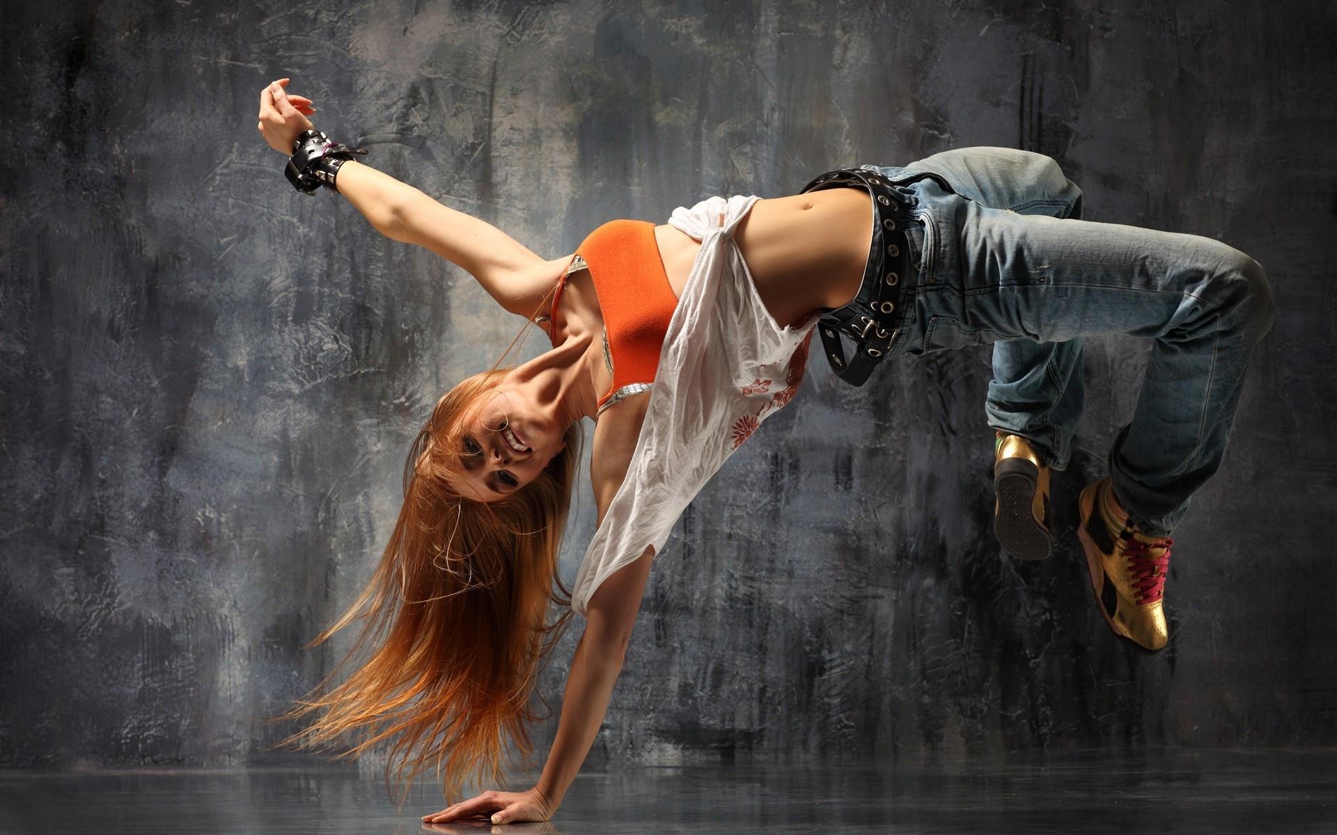 Рыжая русская гимнастка 6 фотография