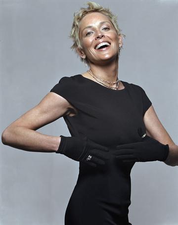 Фото Шэрон Стоун / Sharon Stone,  фотосессия Мишеля Комте / Michel Comte, 2004 (© ), добавлено: 02.01.2013 19:00