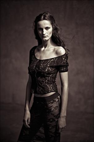 Фото Девушка в черной одежде в сетку, фотограф Tatiana Mikhina / Татьяна Микхина