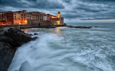 Фото Телларо, Италия / Tellaro, Italy (© ), добавлено: 05.01.2013 23:43