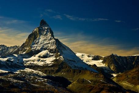 Фото Маттерхорн — живописнейшая гора в Альпах. Расположена на границе между Швейцарией и Италией / Matterhorn, Alps (© ), добавлено: 10.01.2013 01:13