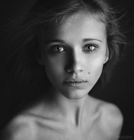 Фото Портрет худой девушки с длинными волосами, фотограф Дмитрий Агиев / Dmitry Ageev