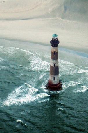 Фото Маяк среди моря (© Black Tide), добавлено: 23.01.2013 02:46