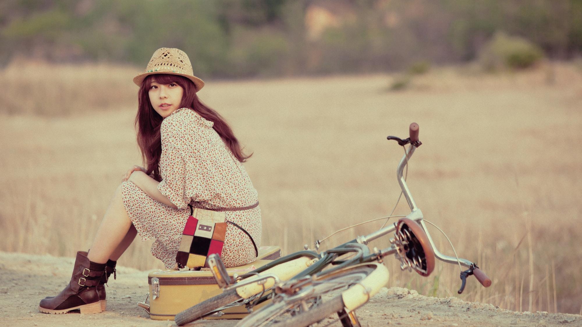 Японки и велосипед 21 фотография
