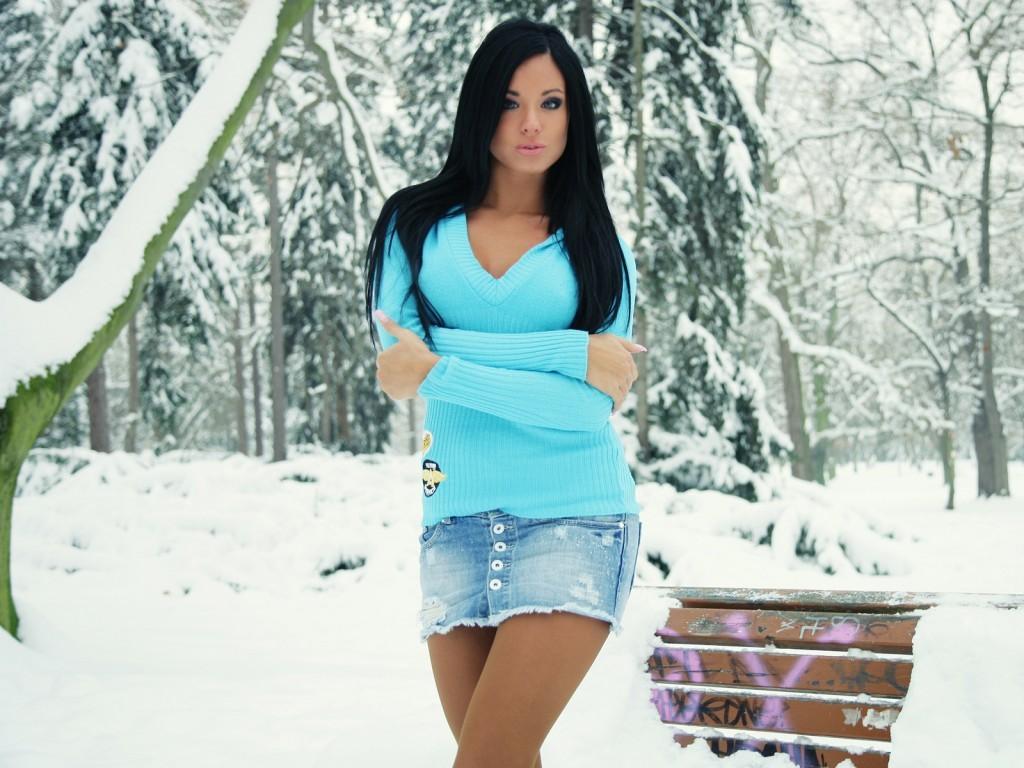 фотографии девушек брюнеток:
