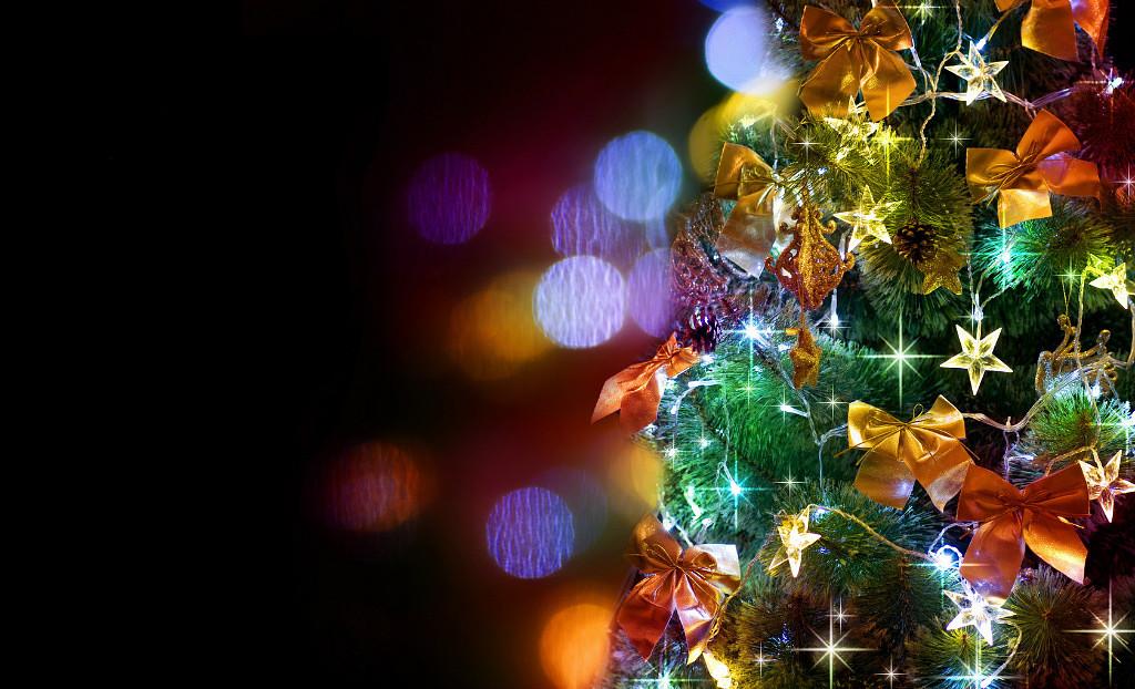 Фото Новогодняя елка украшенная бантиками, звездами и ...: http://photo.99px.ru/photos/89029/