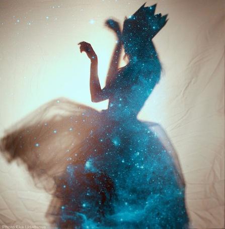 Фото Силуэт девушки в платье и короне, фотограф Эка Удальцова / Eka Udaltsov (© ), добавлено: 03.02.2013 10:06