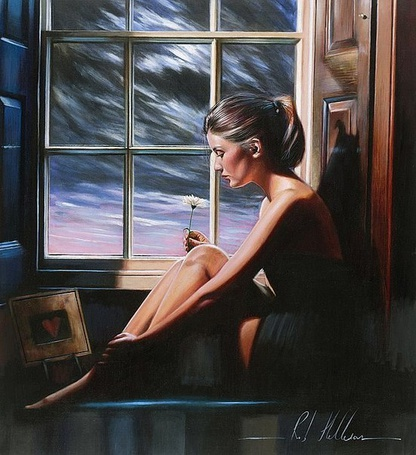Фото Грустная девушка с цветком в руке сидит у окна