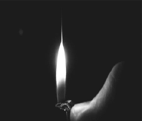 Фото Рука зажигает зажигалку (© Banditka), добавлено: 15.02.2013 18:39