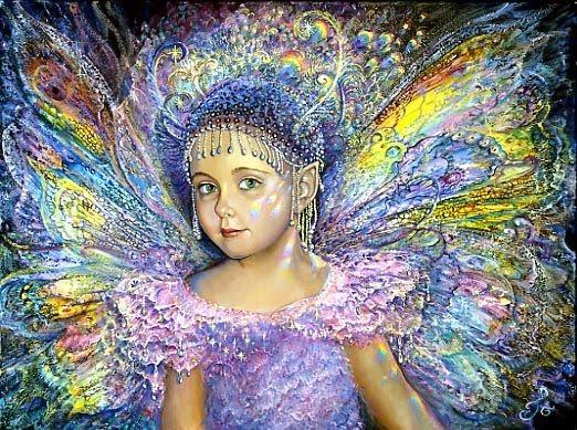 Фото Девочка - бабочка с жемчугом на голове и разноцветными крыльями за спиной