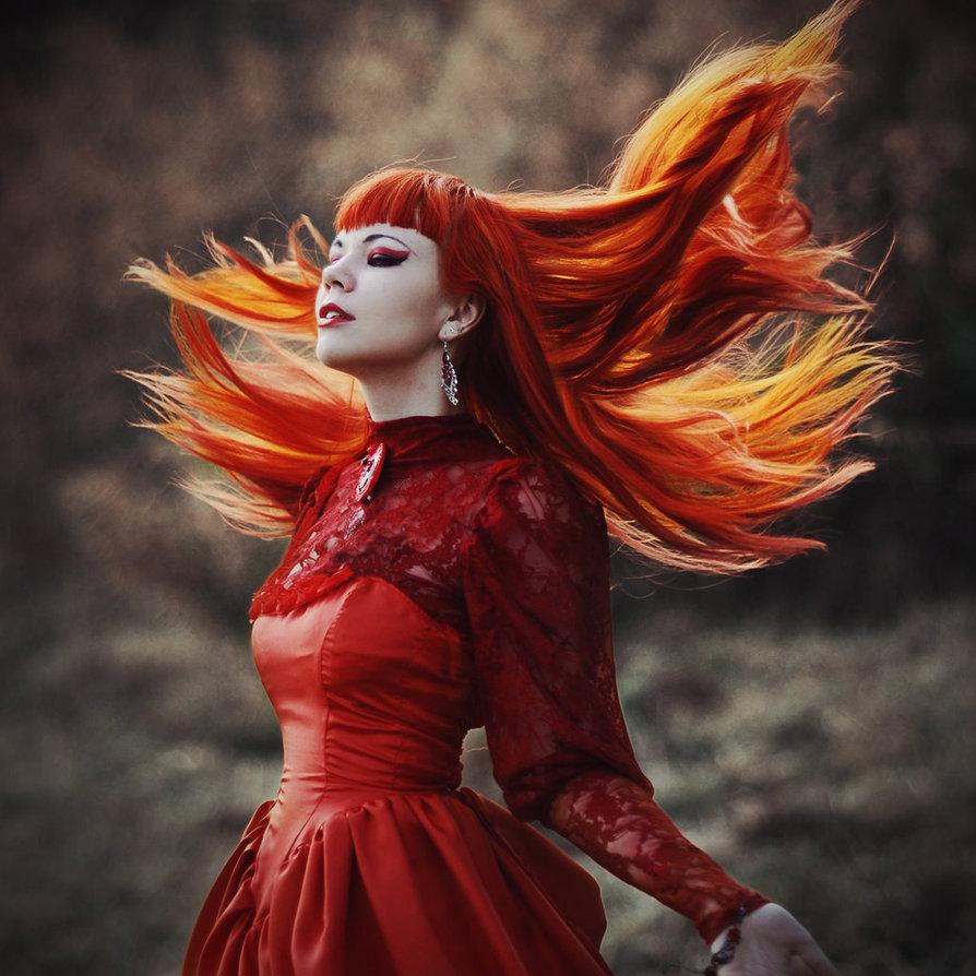 Рыжие девочки в красном платье 11 фотография