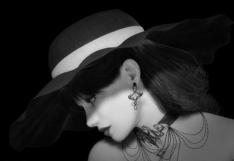 Фото Девушка в широкополой шляпе, с ажурным украшением на шее и ажурной сережкой в ухе (© Akela), добавлено: 01.03.2013 22:02