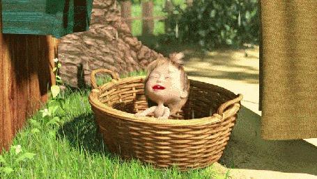 Фото Маша ловит ртом капли воды. из мультфильма Маша и Медведь-Большая стирка