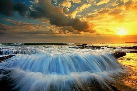 Фото Закат на красивом побережье моря (© Светлячок), добавлено: 12.03.2013 14:01