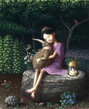 Фото Девочка сидит на камне в лесу и обнимает большую птицу Киви / Apteryx - Shinya Okayama