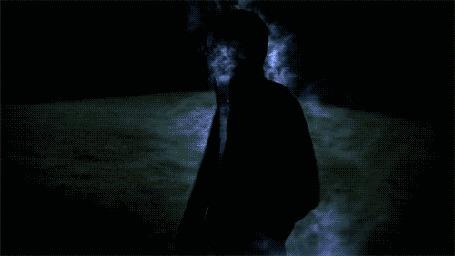 Фото У человека в черной кофте с капюшоном внутри космос (© Seona), добавлено: 14.03.2013 15:36