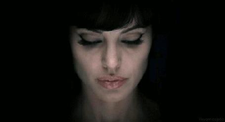 Фото Американская актриса, режиссер и сценарист, фотомодель, посол доброй воли ООН Анджелина Джоли / Angelina Jolie
