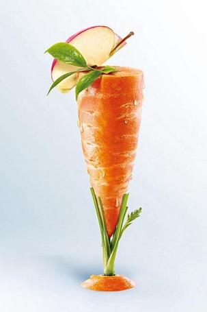 Фото Фужер из моркови с долькой яблока (© eka_terinka), добавлено: 20.03.2013 03:00