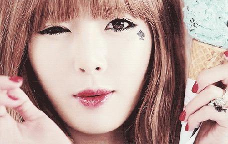 Фото Южнокорейская певица, танцовщица, модель, дизайнер, участница группы 4Minute Ким Хена / Kim Hyun-a