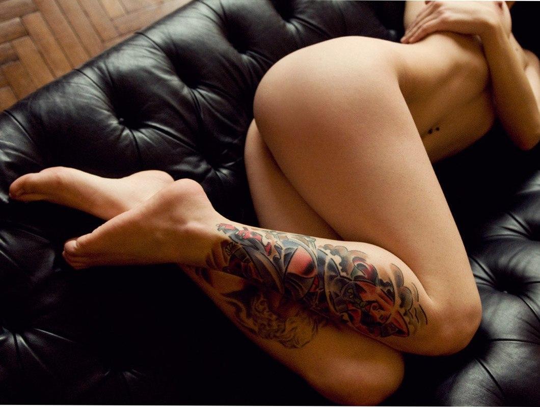 Эрофото девушек с татуировки 21 фотография