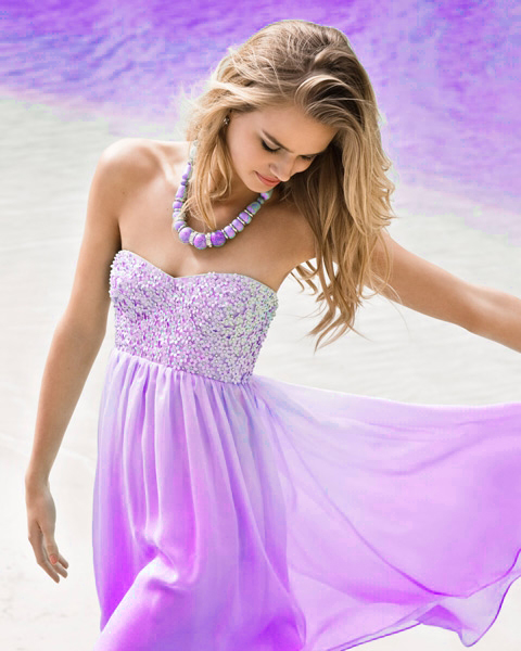 Фото девушка в сиреневом платье