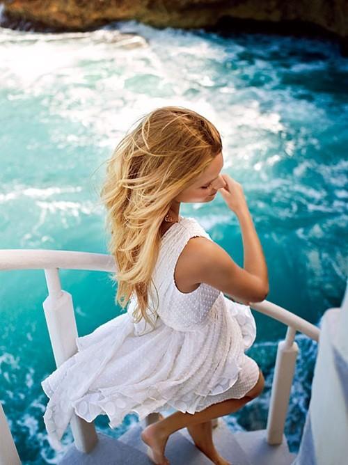 Фото девушек в белом на аву