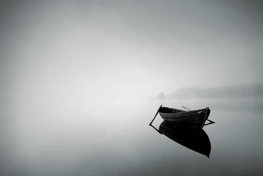 одинокая лодка моя рассекая волну плывет слушать