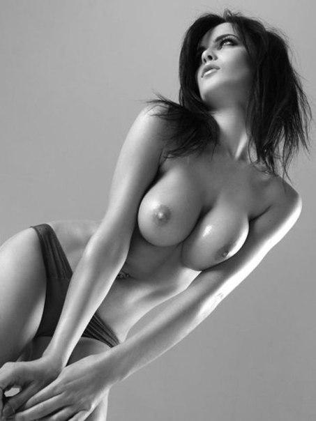 красивые голые фотомодели с большой грудью