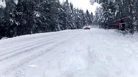 Фото Тест драйв по скользкой дороге