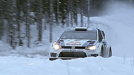 Фото Авто спорт по зимним, скользким дорогам
