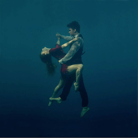 Фото Парень и девушка исполняют танго под водой, фотограф Катерина Бодрунова (© ), добавлено: 06.04.2013 20:03