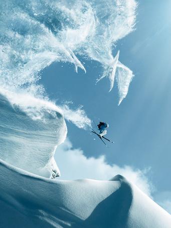 Фото Снежные птеродактили охотятся на лыжника, фотохудожник Fred Perro / Фред Перро