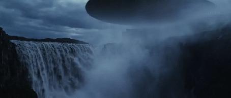 Фото Водопад с исходящим от него паром (© GRAF), добавлено: 10.04.2013 22:39
