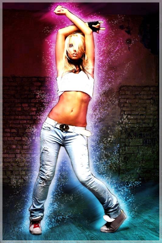 Видео танцующая девушка в джинсах с красными стринги — pic 15