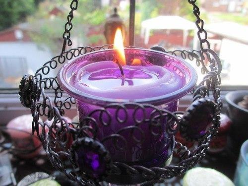 Свеча горящая картинка