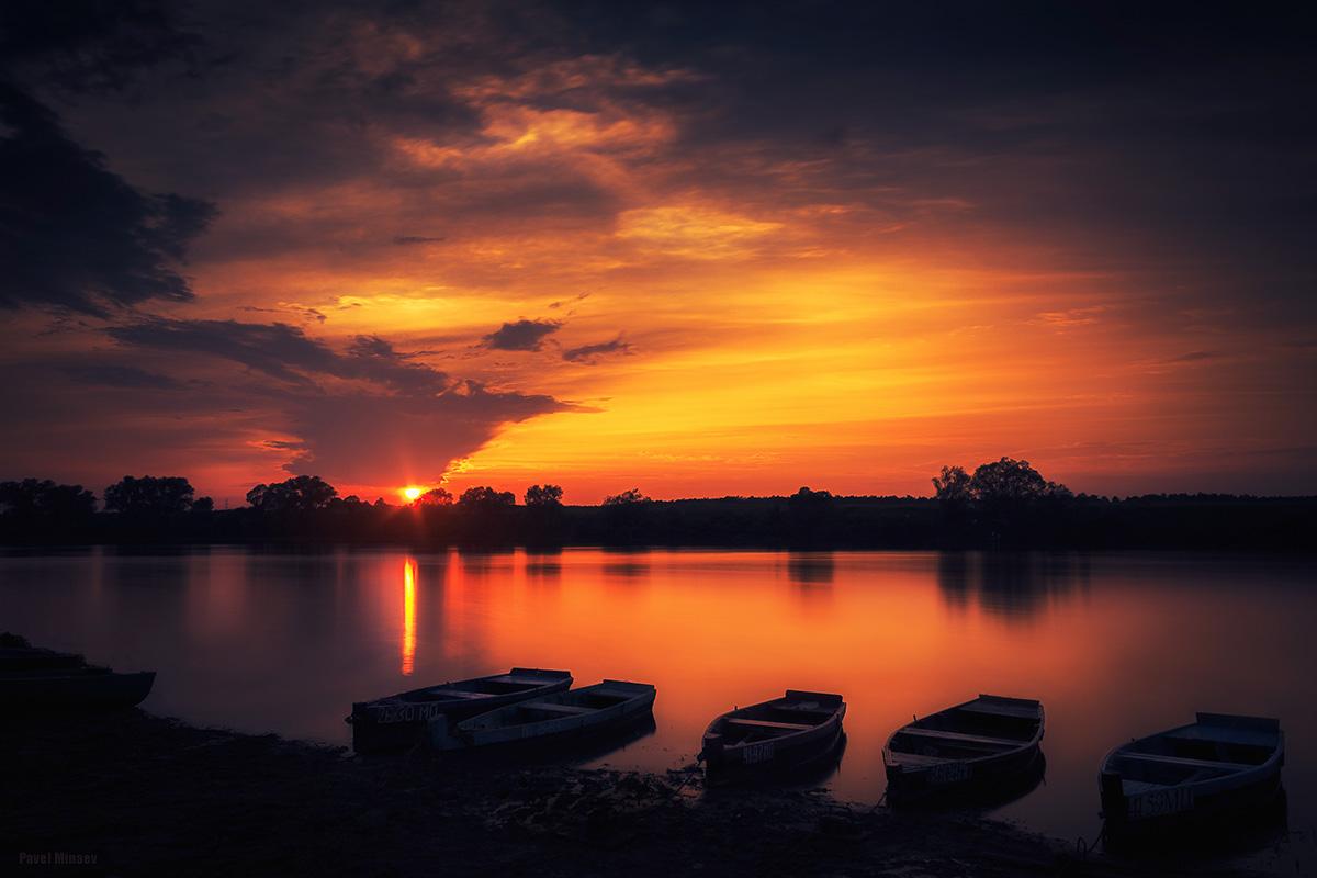 Вечер лодка река картинки