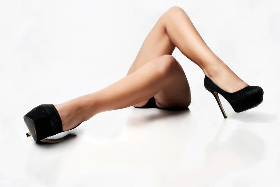 крепкие женские ноги на каблуках фотосессия это следует так