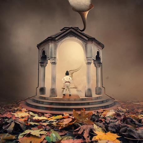 Фото Мальчик, одетый в черную шапочку и белое кимоно. стоит у веревочной лестницы, ведущей в пасмурное небо. находящейся в каменной беседке с фигурной трубой на крыше и выходящим из нее дымом, фотография Caras lonut