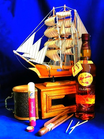 эти бутылка коньяка на корабле фото планшетам необходима