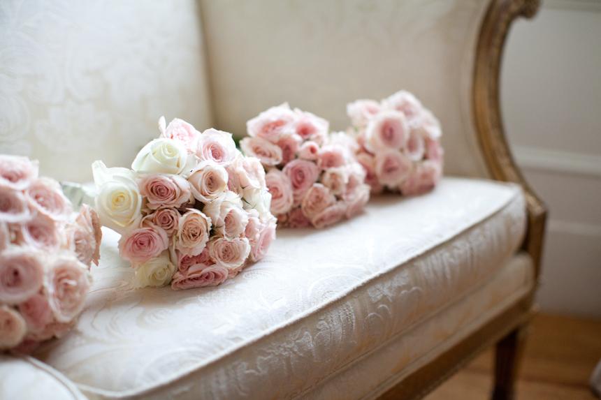 пленке розы на диване картинки ему чеченском