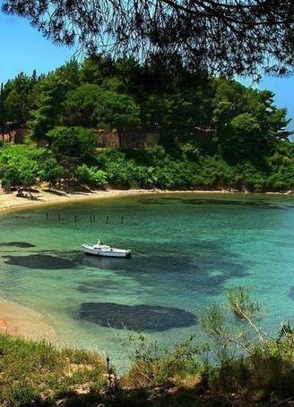 Фото Тихая лагуна около острова