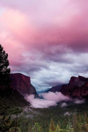Фото Вид на горы и розовое небо (© Banditka), добавлено: 06.06.2013 08:54