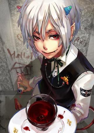 Фото Парень с глазом в правой руке и с бокалом крови в левой, на стене надпись Hello / Привет