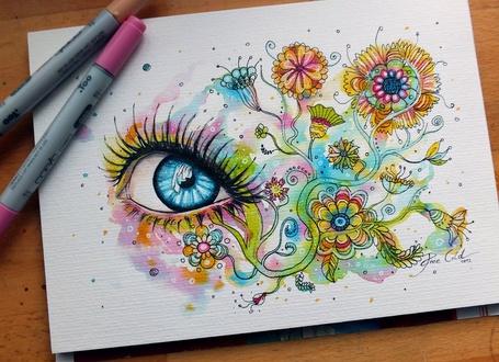 Фото Красивый рисунок глаза в сочетании разных цветов (© B@D GirL), добавлено: 09.06.2013 14:52